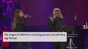 Ariana Grande sending money to fans in need [Video]