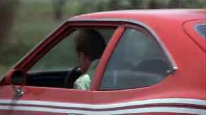 James bond THE MAN WITH THE GOLDEN GUN movie clip - Corkscrew Jump [Video]
