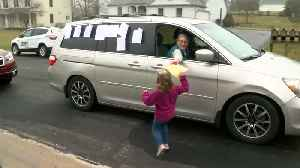 6-year-old gets surprise birthday parade [Video]