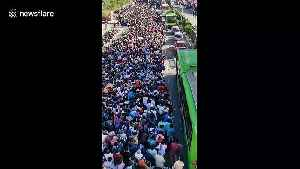Gridlock as India coronavirus lockdown triggers migrant workers exodus [Video]