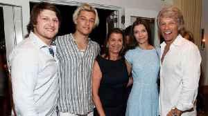 Jon Bon Jovi's son had a 'mild version' of coronavirus [Video]