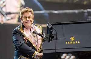 Elton John living for first time without a piano in quarantine [Video]