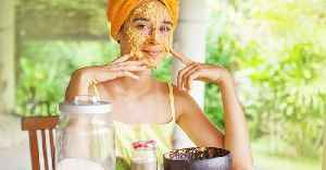 Here is how to make a homemade face mask to prevent dry skin [Video]