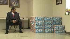 Stokes helps feed seniors [Video]