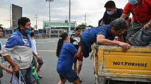 Coronavirus restrictions: Philippine poor suffer after closures
