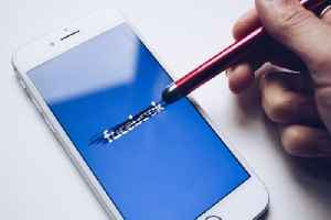 Zoom is no longer sending data to Facebook. [Video]
