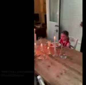 Dad's dinner party for children during lockdown goes viral [Video]