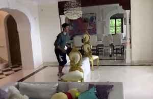 Djokovic wins frying pan tennis rally [Video]