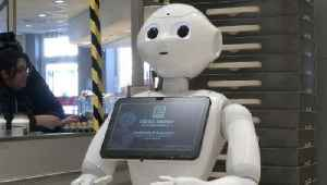 Robotic Reminder! Robot Tells German Shoppers To Social Distance & Not Hoard Items! [Video]