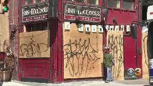 Philadelphia Businesses Boarding Up Properties To Protect Against Looters [Video]