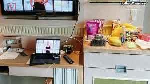 London Office Worker Returns to Singapore, Spending Multi-Week Quarantine in Luxury Hotel [Video]