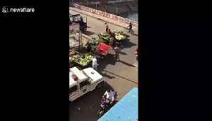 Indian market traders allegedly breaking COVID-19 lockdown rules have goods destroyed by police [Video]