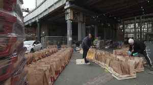 Borough Market delivers free fruit and veg to NHS workers [Video]