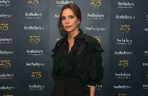 Victoria Beckham chats to NHS staff [Video]