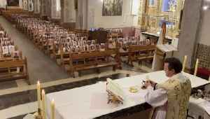 Spanish Priest Puts up Photos of Parishioners on Church Benches to Not Feel 'Alone' [Video]