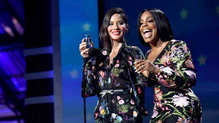 News video: Olivia Munn And Niecy Nash Did Not Hold Back From Eviscerating Mark Wahlberg At The Critics' Choice Awards Last Night And More