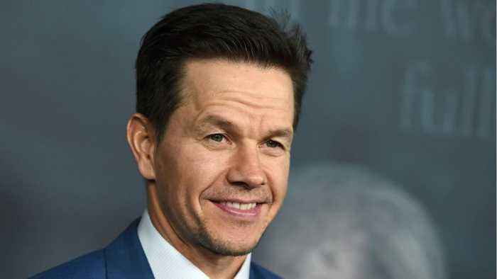 News video: Stars Weigh In Wage Gap Between Mark Wahlberg And Michelle Williams