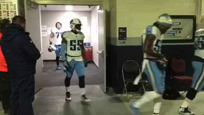 Titans Leave Locker Room Before Game