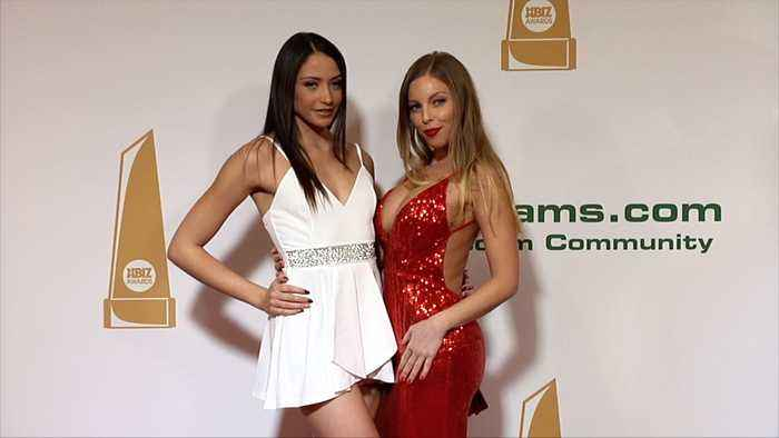 avi love and britney amber 2018 xbiz awards red - one news page video