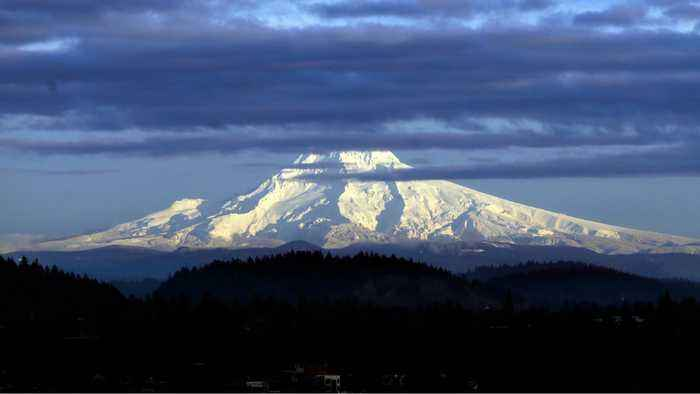 One Climber Killed; 15 Others Stranded on Mount Hood in Oregon