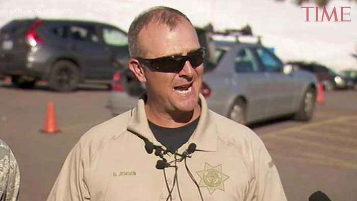 News video: Climber Dies on Oregon's Mount Hood, Rescue Effort for Seven Others Continues