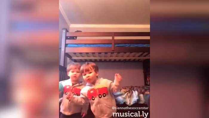 """News video: """"Twin Toddlers Rap Like Pros"""""""