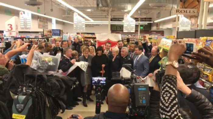 Salvation army 39 s first grocery store opens in one news for What grocery stores are open today