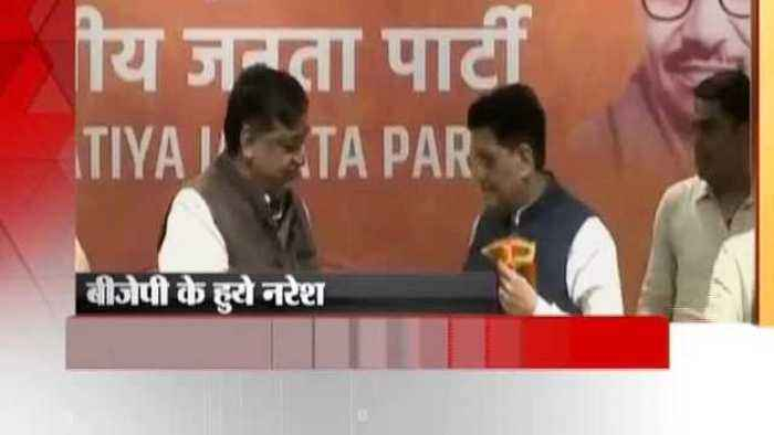 Senior Samajwadi Party leader Naresh Agarwal joined the BJP