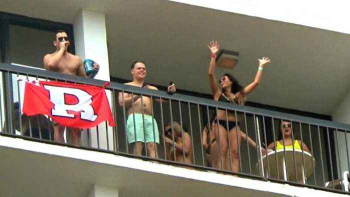 News video: This Is How Dangerous Balconies Can Be During Spring Break
