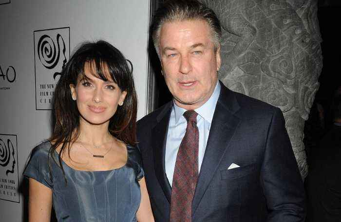 News video: Alec Baldwin's an 'old school' parent