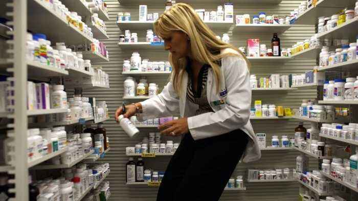 News video: Proposed Tariffs Could Hike US Drug Prices