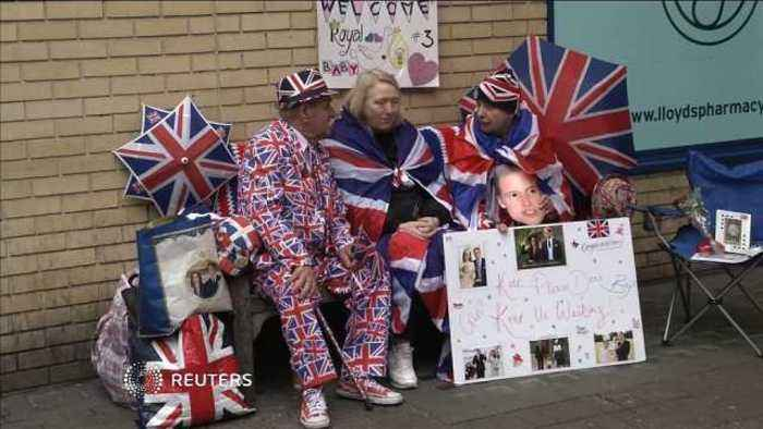 Royal baby: betting odds suggest 'it's a girl'