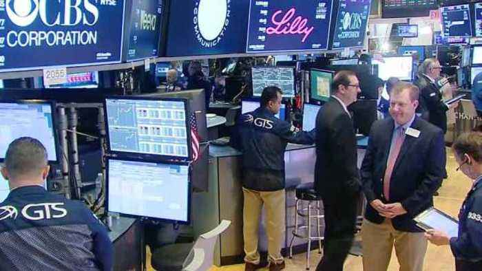 News video: Wall Street dips