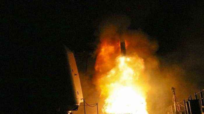 Mixed Reactions Worldwide to US-Led Strikes Against Syria