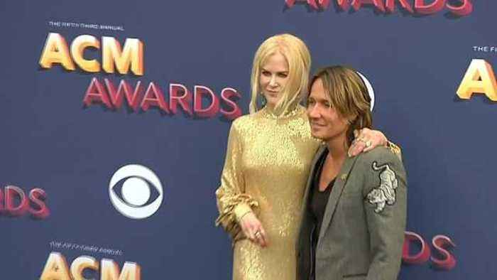 News video: Stars strut on the red carpet before the Country Music Awards