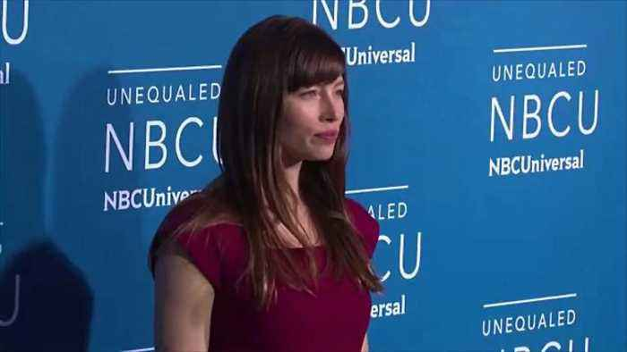 News video: Jessica Biel's Travel Hack Will Completely Change the Way You Pack