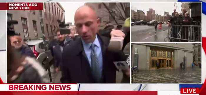 News video: Cameramen Run Into Poles, Bike Racks Swarming Stormy Lawyer Michael Avenatti In New York