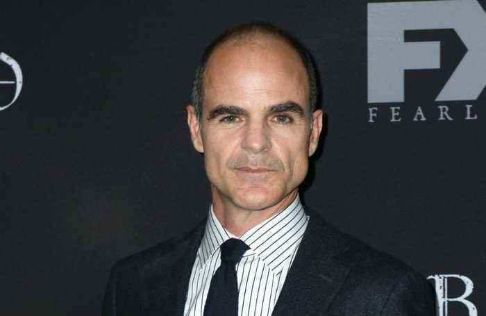 News video: Michael Kelly finds House of Cards strange without Kevin Spacey