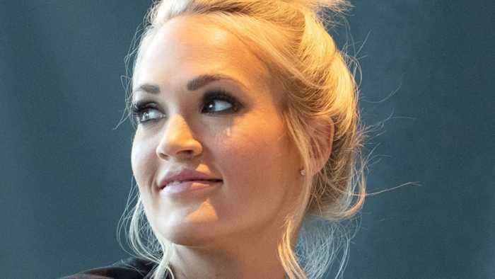News video: Carrie Underwood just revealed her face scar