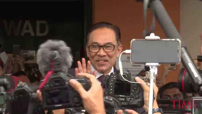 News video: Malaysia's Reformist Icon Anwar Ibrahim Freed From Prison After Receiving Royal Pardon