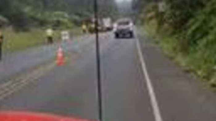 News video: Cracks Appears on Highway Near Hawaii Volcanoes National Park