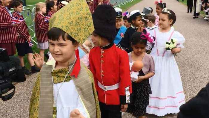 News video: Young English Students Conduct Their Very Own Royal Wedding