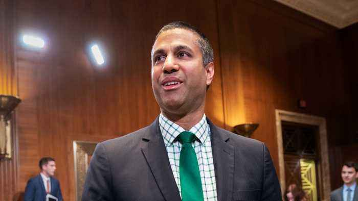 News video: US Senator Tells FCC Chairman To Recuse Himself From Investigation