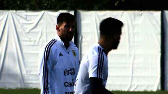 Messi's Argentina train ahead of World Cup
