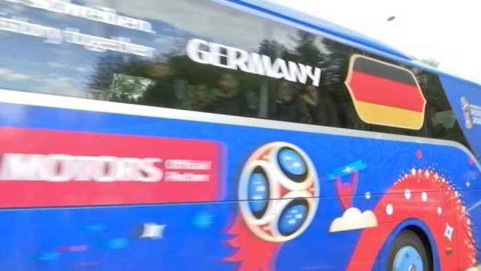 News video: Germany arrive at their World Cup hotel near Moscow