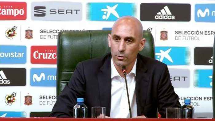 """News video: Spain """"forced"""" to sack Lopetegui, says Spanish Federation president"""