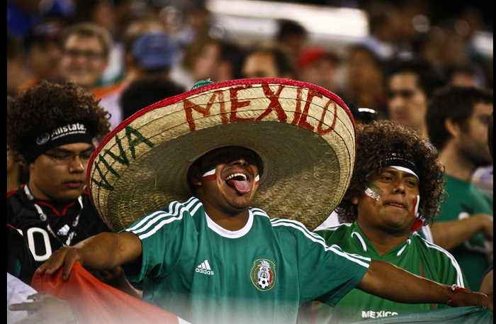 This is How Latinos Enjoyed the Inauguration of the World Cup