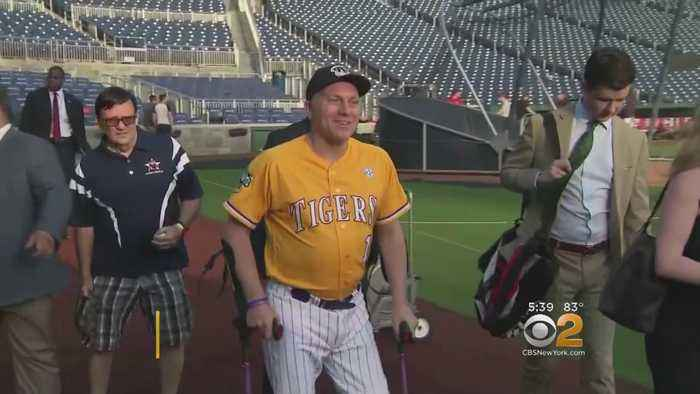 News video: Scalise Returns To The Baseball Field A Year After Being Shot