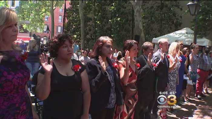 News video: 13 New Citizens Pledge Allegiance To US On Thursday