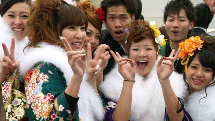 Japan Lowers Legal Age of Adulthood